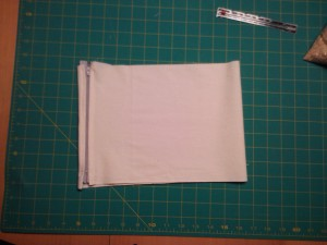 Zipper sewn to short ends of pillow fabric